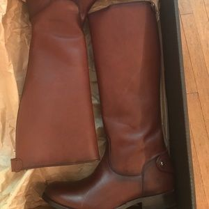 Brand new brown FRYE boots